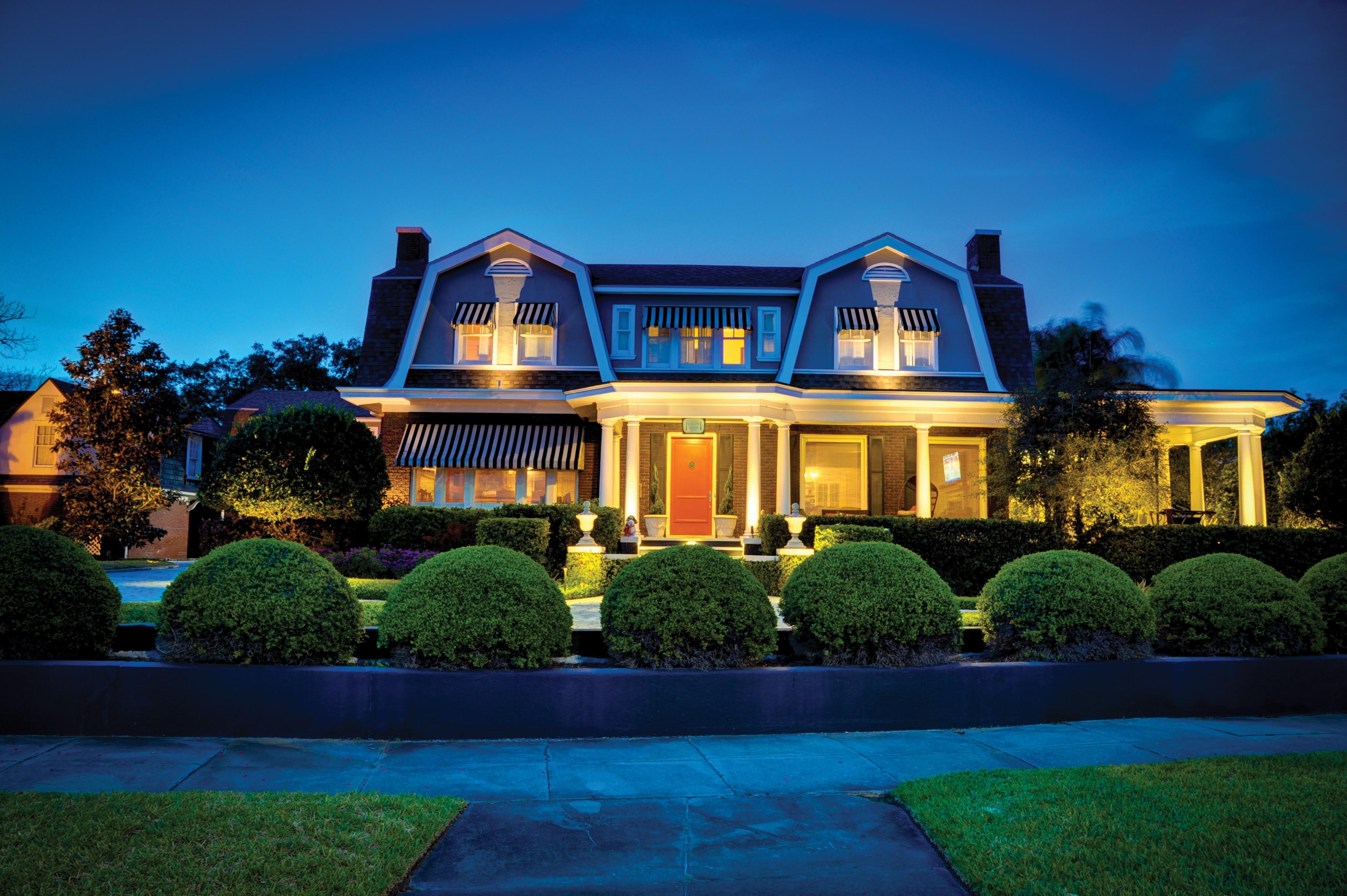 Five Benefits Of Outdoor Landscape Lighting Florida Home Magazine